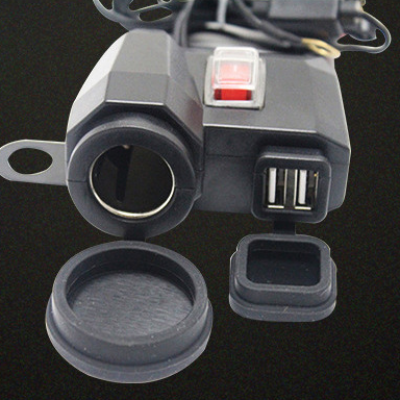 Prise allume cigare / 2  USB pour moto